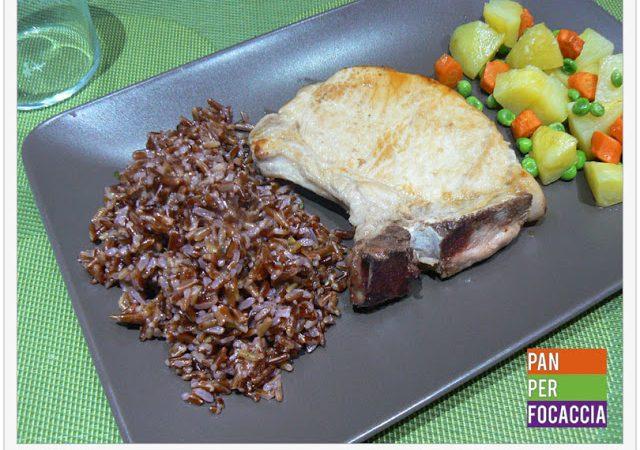 Braciola di maiale con riso rosso