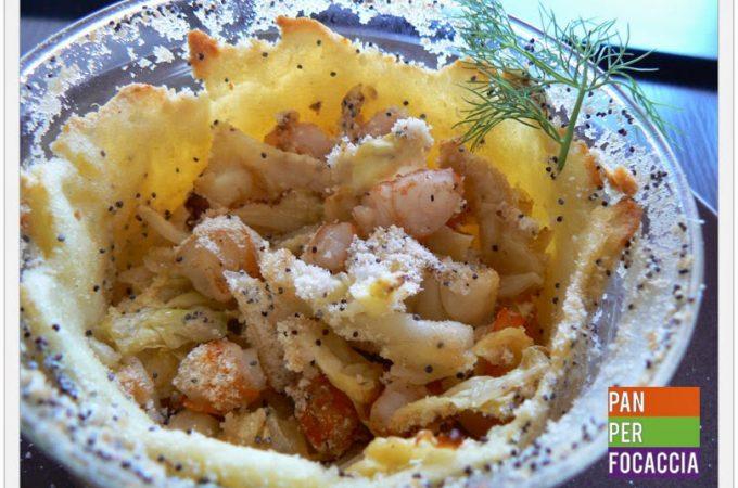 Tortini di patate con gamberi e verza