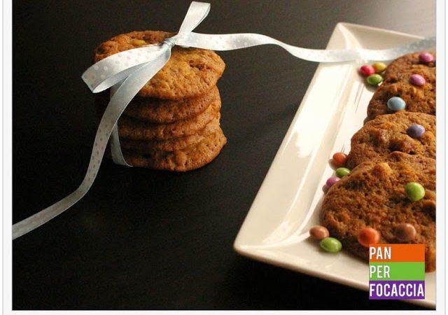 Cookies con Smarties e nocciole