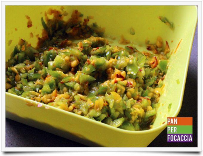 Tartine di insalata con peperoni e pesche 2