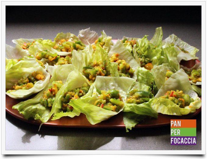 Tartine di insalata con peperoni e pesche 3