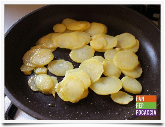 Tortino di patate e salamino piccante 3