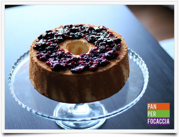 Angel food cake ai frutti di bosco 1