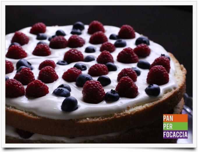 naked-cake-con-crema-e-frutti-di-bosco-1