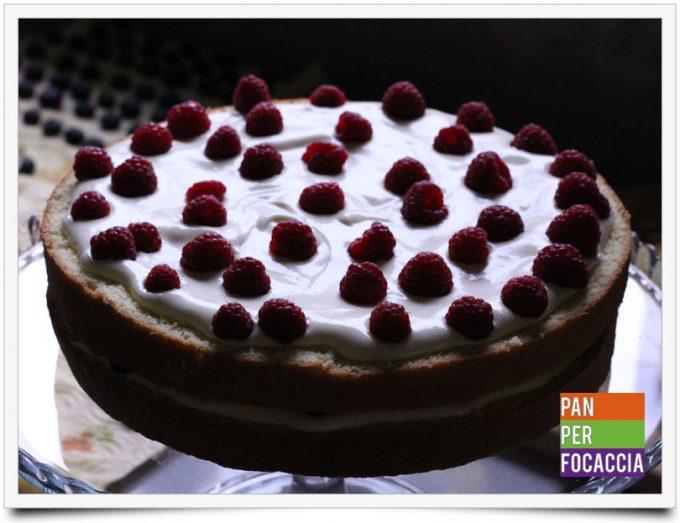 naked-cake-con-crema-e-frutti-di-bosco-9