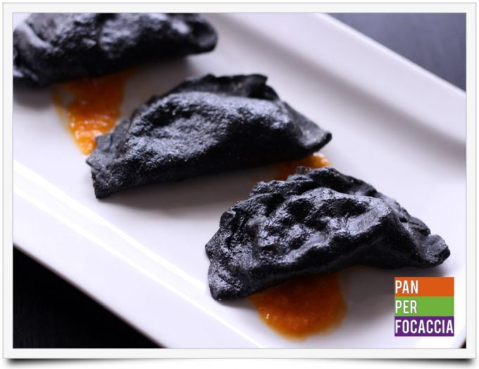 ravioli-neri-con-gamberi-e-verdure-7