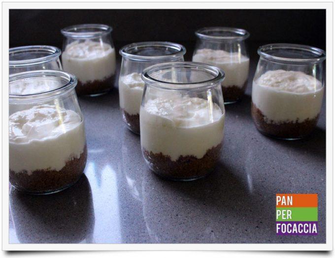 Cheesecake ai frutti di bosco in bicchere 6