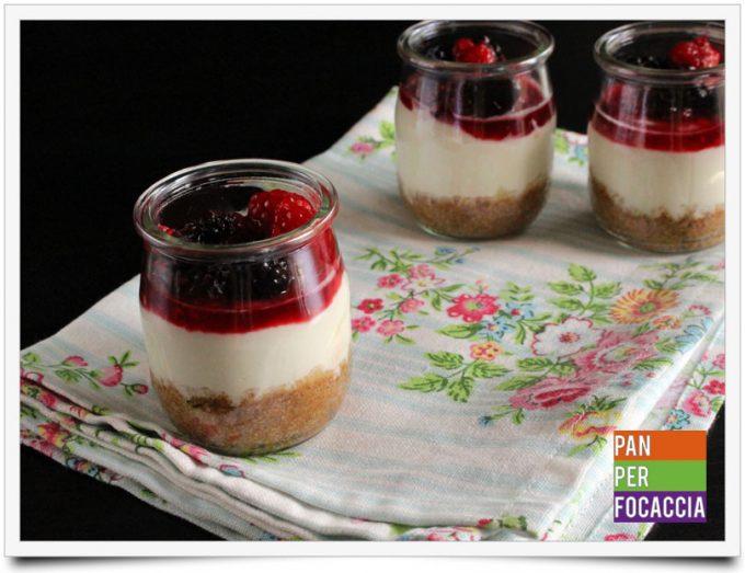 Cheesecake ai frutti di bosco in bicchere 7