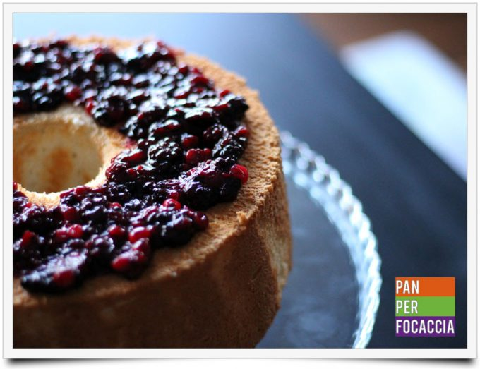 Angel food cake ai frutti di bosco 5