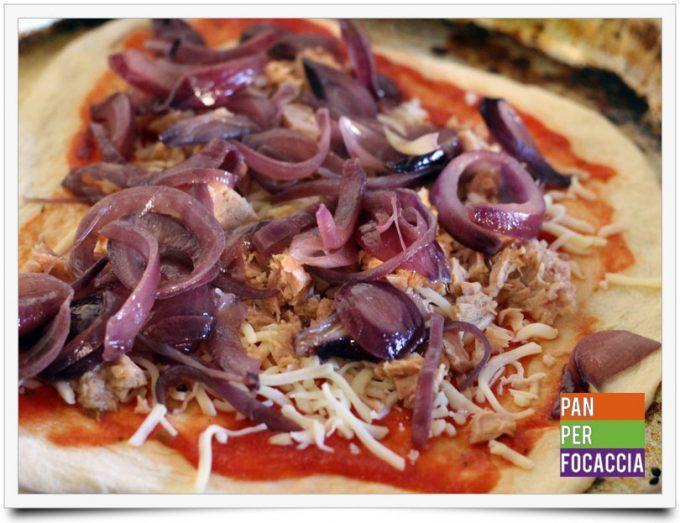 Pizza impastata a mano 5