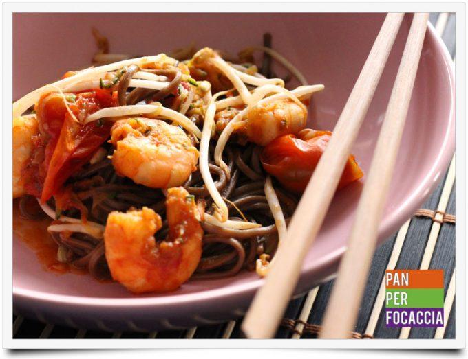 Spaghetti soba con mazzancolle e verdure 6