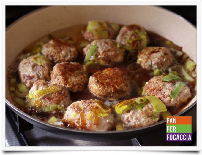 Polpette allo zenzero e salsa di soia con cipolline glassate 7