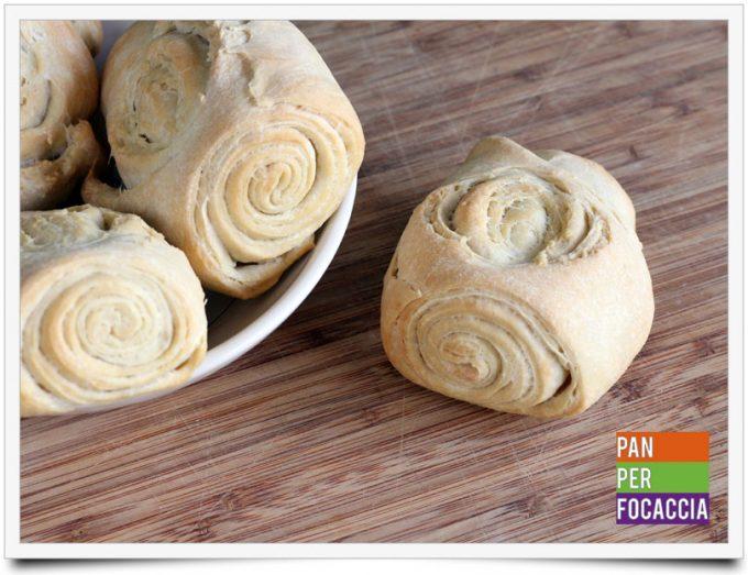 panini-sfogliati-allolio-1